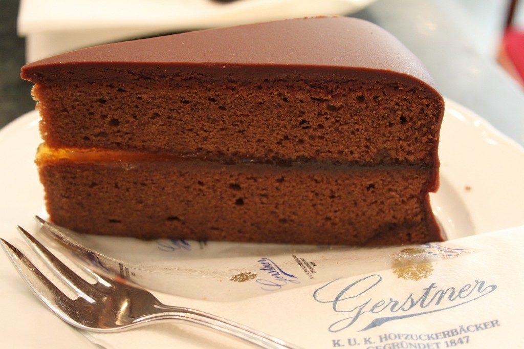 sachertorte chiếc bánh chocolate đến từ nước Áo Sachertorte chiếc bánh chocolate đến từ nước Áo Sachertorte 161 1024x682