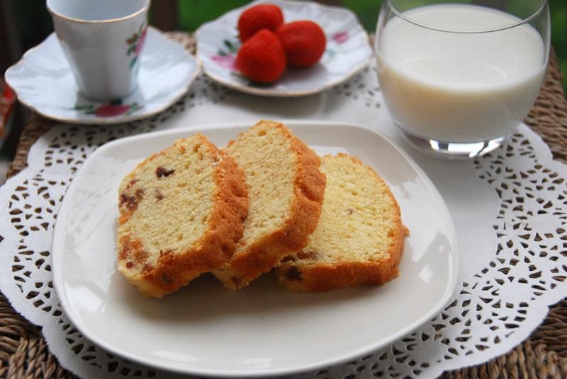 Cách làm bánh bông lan nho khô 6 cách làm bánh bông lan nho khô Cách làm bánh bông lan nho khô bong lan nho 7