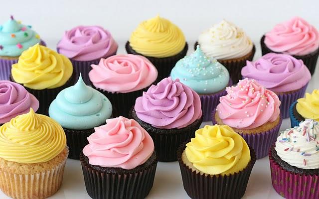 cach-lam-va-trang-tri-cơ-ban-banh-cupcake-2 cupcake Cách làm và trang trí cơ bản bánh cupcake cach lam banh cupcake co ban 2
