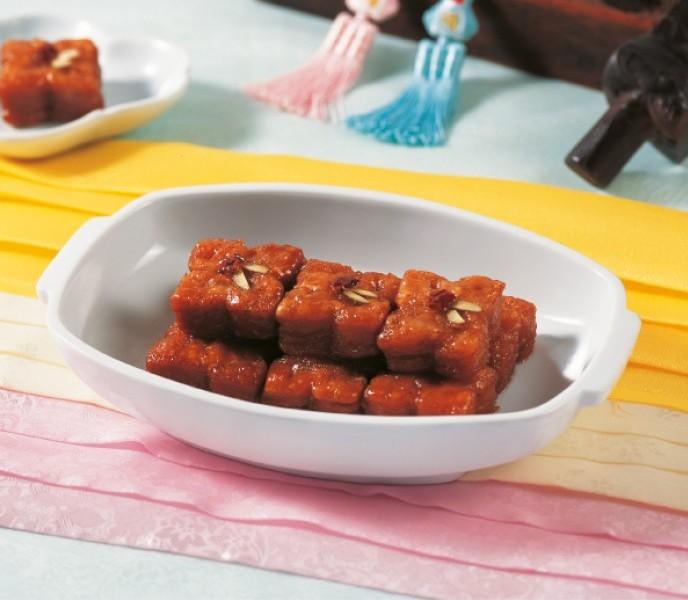 cách làm bánh mật ong hàn quốc (yangwa) 2 cách làm bánh mật ong Cách làm bánh mật ong Hàn Quốc (Yangwa) cach lam banh mat ong han quoc yangwa2