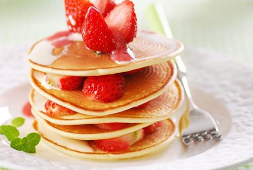 Cách làm bánh pancake đơn giản cho bữa sáng