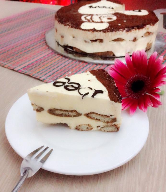 Cách làm bánh Tiramisu cho Valentine trắng