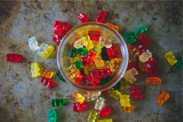 Gelatin giúp tạo hình cho kẹo dẻo chip chip gelatin Gelatin – Cách sử dụng và một vài lưu ý khi sử dụng gelatin cach su dung va mot vai luu y khi su dung 6