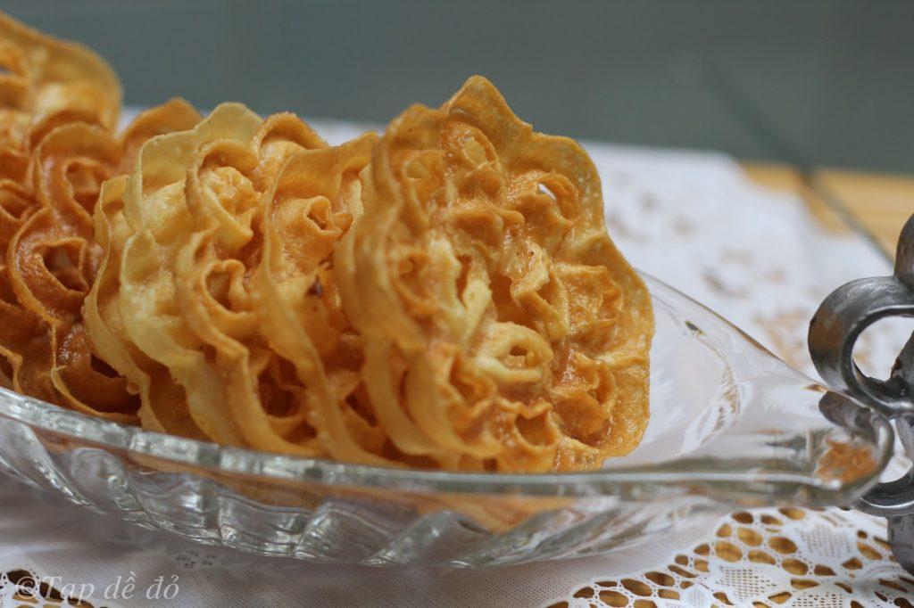 cách làm bánh nhúng ngon bánh nhúng Bánh nhúng giòn tan mang tuổi thơ về cach lam banh nhung 1 1024x682