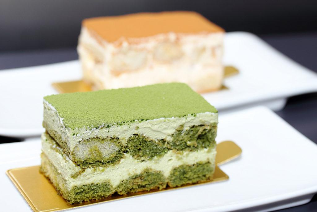cách làm bánh tiramisu trà xanh đơn giản 4 tiramisu trà xanh Tiramisu trà xanh dịu mát không cần lò nướng cach lam banh tiramisu 4 1024x683