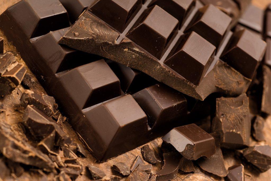 tu-chocolate-ban-co-the-lam-duoc-nhung-mon-gi-9 chocolate Từ chocolate bạn có thể làm được những món gì? tu chocolate ban co the lam duoc nhung mon gi 9 1024x685