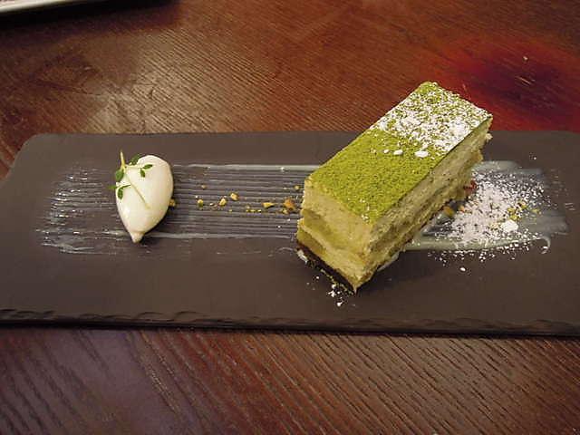cac-mon-banh-ngon-de-lam-tu-tra-xanh-cho-mua-he-vui-ve-5 các món bánh ngon dễ làm Các món bánh ngon dễ làm từ trà xanh cho mùa hè vui vẻ cac mon banh ngon de lam tu tra xanh cho mua he vui ve 5