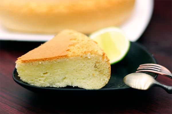 Cách làm bánh bông lan bằng nồi cơm điện 12 bánh bông lan Làm bánh bông lan bằng nồi cơm điện thật đơn giản cach lam banh bong lan bang noi com dien 12