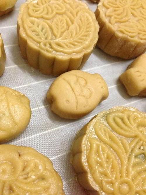 Bánh Trung thu handmade tốt hơn cho sức khỏe cả nhà