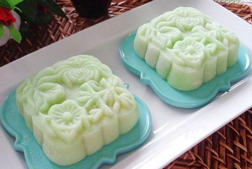 cach-lam-banh-deo-la-dua-nhan-dau-xanh-cuc-ngon-mieng-9 cách làm bánh dẻo Cách làm bánh dẻo lá dứa nhân đậu xanh cực ngon miệng cach lam banh deo la dua nhan dau xanh cuc ngon mieng 9