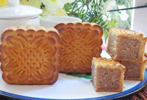 Cách làm bánh nướng nhân hạt dẻ mới mẻ đón Trung thu