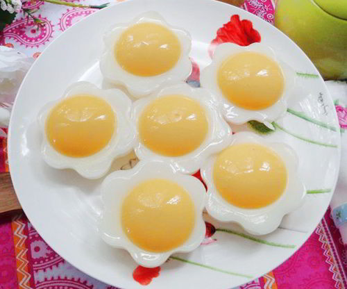 cach-lam-thach-hinh-trung-tu-xoai-be-an-hoai-van-thich-7 cách làm thạch Cách làm thạch hình trứng từ xoài bé ăn hoài vẫn thích cach lam thach hinh trung tu xoai be an hoai van thich 7