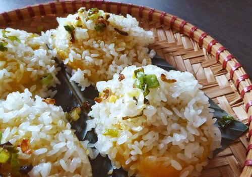 banh-nghe-vang-uom-hap-dan-7 bánh nghệ Tự làm bánh nghệ vàng ươm, thơm ngon mê mẩn cho cả nhà banh nghe vang uom hap dan 7