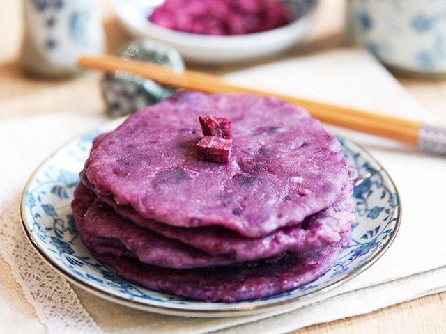 cach-lam-banh-khoai-lang-tim-chien-9 cách làm bánh khoai lang tím Cách làm bánh khoai lang tím chiên ăn ngon điên đảo cach lam banh khoai lang tim chien 9
