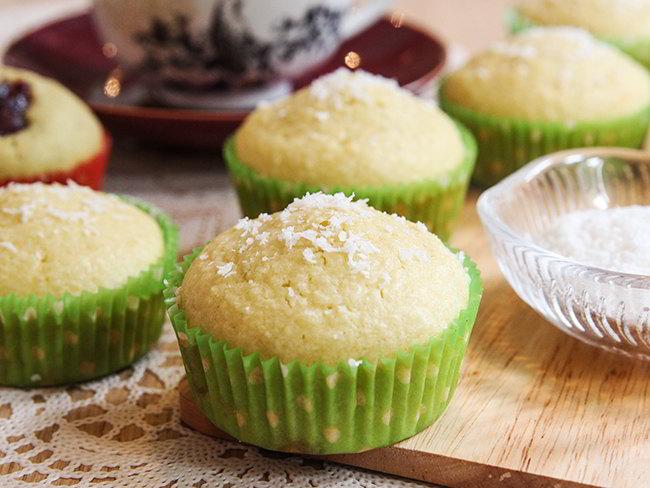 cach-lam-banh-muffin-dua-0 cách làm bánh muffin Học ngay cách làm bánh muffin dừa dễ như trở bàn tay cach lam banh muffin dua 0