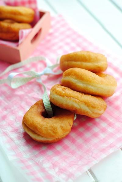 nao-hoc-ngay-cach-lam-banh-donut-chien-ngon-dien-dao-6 cách làm bánh donut chiên Nào! Học ngay cách làm bánh donut chiên ngon điên đảo nao hoc ngay cach lam banh donut chien ngon dien dao 6