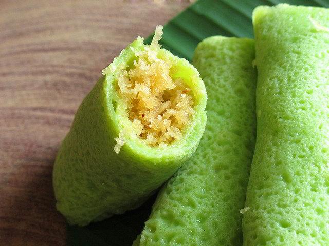cach-lam-banh-crepe-la-dua-nhan-dua-5 cách làm bánh crepe lá dứa Cách làm bánh crepe lá dứa nhân dừa vừa ngon vừa hấp dẫn cach lam banh crepe la dua nhan dua 5