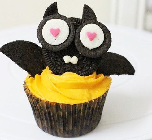 cách làm bánh cupcake hình dơi 800 cách làm bánh cupcake Quậy Halloween với cách làm bánh cupcake hình dơi cach lam banh cupcake hinh doi 92