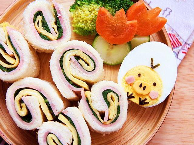 cach-lam-banh-sandwich-cuon-trung-10 cách làm bánh mì sandwich Cách làm bánh mì sandwich cuộn trứng siêu hấp dẫn cach lam banh sandwich cuon trung 10