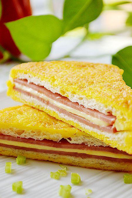 cach-lam-banh-sandwich-kep-giam-bong-chien-0 cách làm bánh sandwich kẹp Cách làm bánh sandwich kẹp giăm bông chiên giòn cực ngon cach lam banh sandwich kep giam bong chien 0