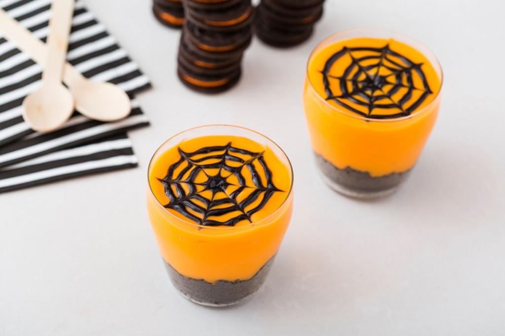 cách làm pudding mạng nhện cho halloween 6 cách làm pudding Học cách làm pudding mạng nhện cho ngày lễ Halloween cach lam pudding mang nhen cho halloween 7 1024x682