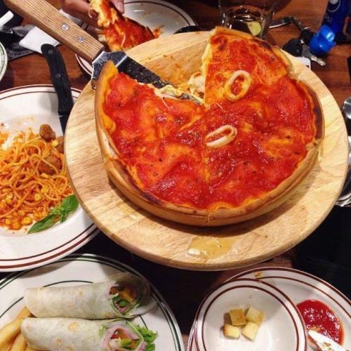 công thức làm bánh pizza nhân nhồi chicago 13 công thức làm bánh pizza Công thức làm bánh pizza nhân nhồi vạn người mê cong thuc lam banh pizza nhan nhoi ngon y nhu ngoai tiem 13 e1454298203276