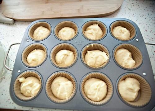 cách làm cupcake vani 9 cách làm cupcake vani Cách làm cupcake vani và kem bơ trang trí cupcake cach lam cupcake vani va kem bo trang tri cupcake chuan 11 e1459004437468