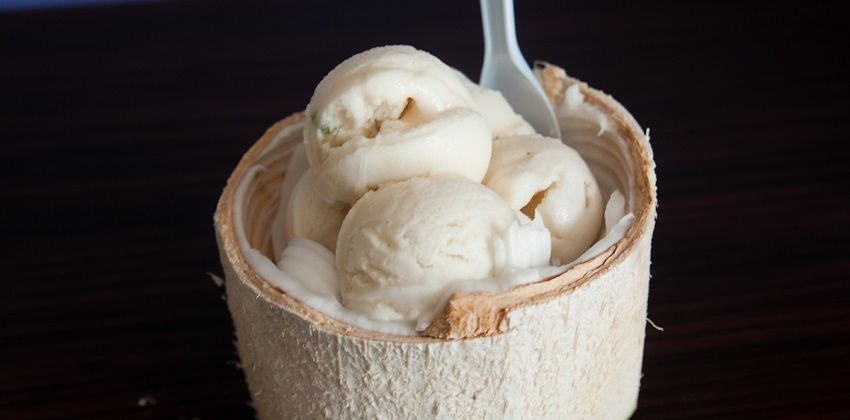 cách làm kem trái dừa 6 cách làm kem trái dừa Cách làm kem trái dừa ngon chuẩn vị như ngoài hàng cach lam kem trai dua ngon chuan vi nhu ngoai hang 6