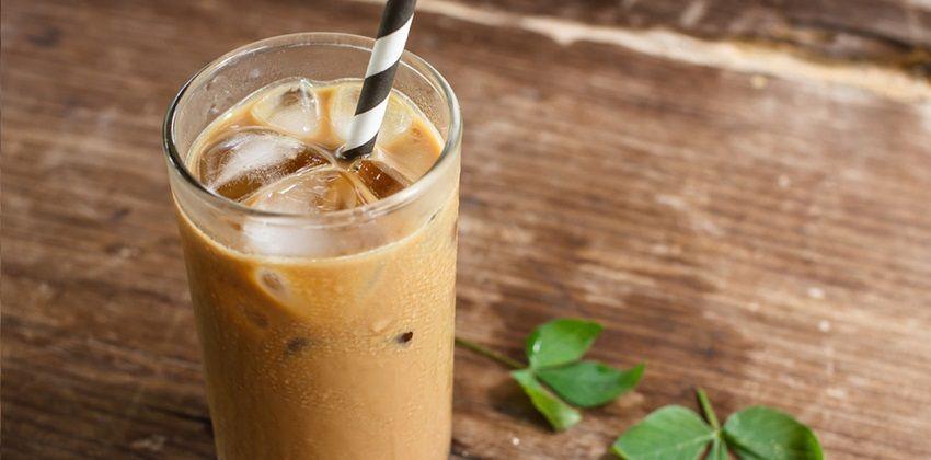 cách pha cà phê sữa đá 6 cách pha cà phê sữa đá Sảng khoái với cách pha cà phê sữa đá chào ngày mới cach pha ca phe sua da chao ngay moi day nang luong 6