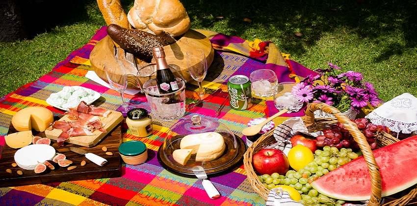 những món ăn ngon tiện lợi nên mang khi đi du lịch những món ăn ngon Những món ăn ngon, tiện lợi nên mang khi đi du lịch bạn cần biết nhung mon an ngon tien loi nen mang khi di du lich