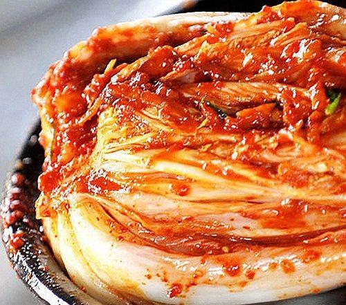 Vào bếp học cách làm kim chi Hàn Quốc ngon quên sầu