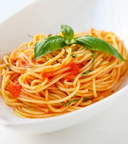 Cách làm mỳ ý spaghetti sốt cà chua thịt bò băm hấp dẫn
