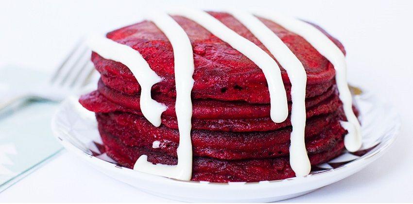 Mê mẩn với cách làm red velvet pancakes siêu độc đáo
