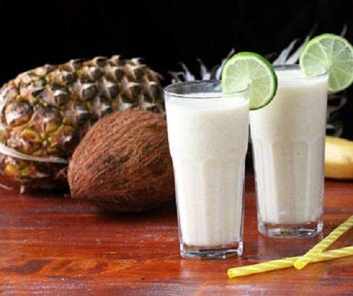 Cùng học cách pha sinh tố chuối dừa dứa siêu ngon nào