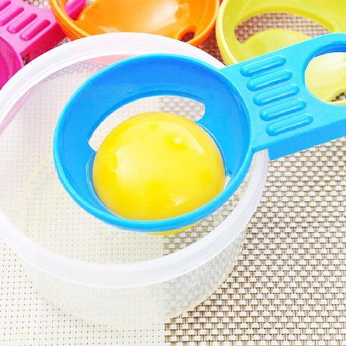 Các cách tách lòng trắng trứng đơn giản dễ dàng ngay tại nhà 3