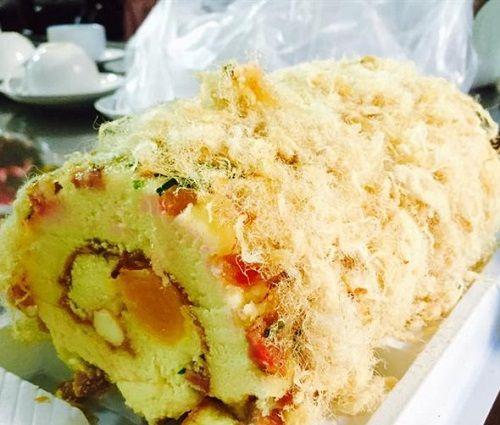 cách làm bánh bông lan cuộn trứng muối 2 cách làm bánh bông lan cuộn trứng muối Cách làm bánh bông lan cuộn trứng muối hấp dẫn cach lam banh bong lan cuon trung muoi don gian hap dan 16