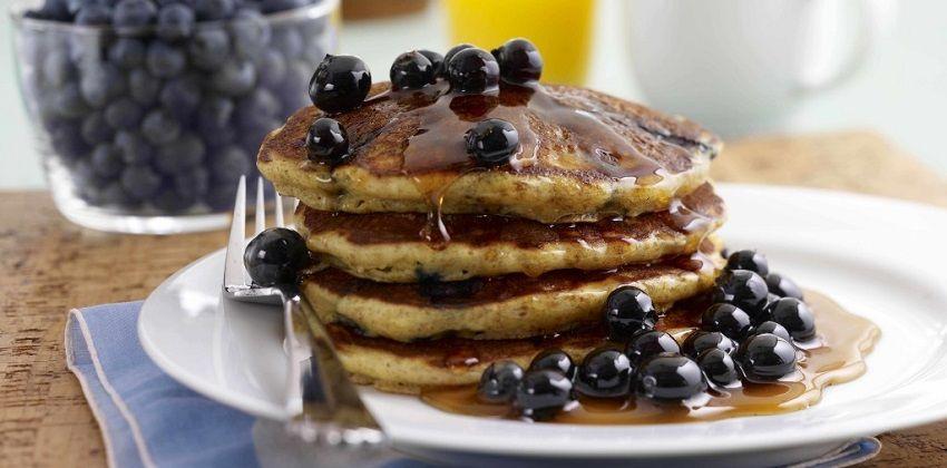 Cách làm pancake chuối cho bữa sáng đầy dinh dưỡng