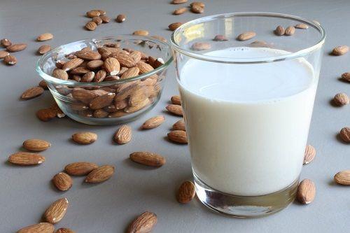 Cách làm sữa hạnh nhân cực dễ cực ngon cực tốt cho sức khỏe