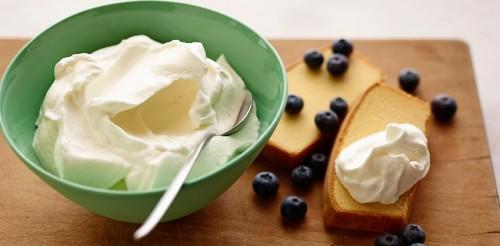 cách làm whipping cream 5 cách làm whipping cream Cách làm whipping cream vô cùng đơn giản tại nhà cach lam whipping cream ngon vo cung don gian tai nha 5 e1467535763222
