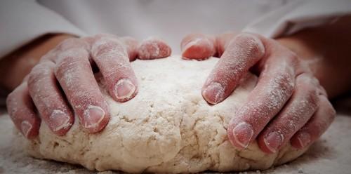 một số mẹo hay với bột mì 5 một số mẹo hay với bột mì Những mẹo hay và bí quyết sử dụng bột mì mot so meo hay voi bot mi va huu dung trong lam banh 6 e1467711104590