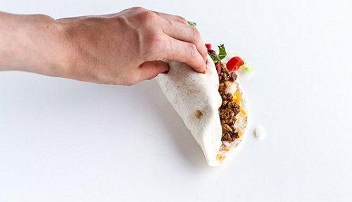 cách làm bánh taco hình nón 4 cách làm bánh taco Cách làm bánh taco hình nón nổi tiếng từ đất nước mexico cach lam banh taco hinh non sieu hap dan ngay tai nha 9