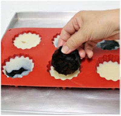cách làm bánh trung thu 01 cách làm bánh trung thu Cách làm bánh Trung thu tại nhà không cần lò nướng bất bại cach lam banh trung thu 01