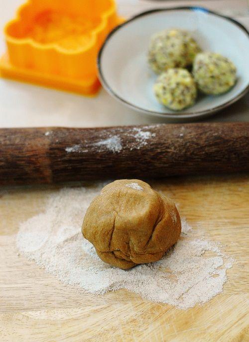 cách làm bánh trung thu chay 5 cách làm bánh trung thu chay Cách làm bánh Trung thu chay cho ngày rằm tháng Tám cach lam banh trung thu chay cho ngay ram thang tam 21