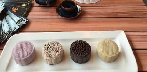 cách làm bánh trung thu dẻo lạnh nhân socola truffle 1 cách làm bánh trung thu dẻo lạnh nhân socola truffle Biến tấu với cách làm bánh Trung thu dẻo lạnh nhân socola truffle cach lam banh trung thu deo lanh nhan socola truffle 1 e1470560831953