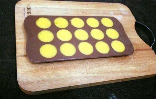 cách làm bánh trung thu Hong Kong nhân kim sa trứng muối 4