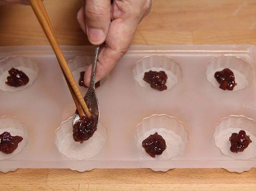 cách làm bánh trung thu rau câu 4 cách làm bánh trung thu rau câu Cách làm bánh Trung thu trong suốt nhân đậu đỏ siêu dễ siêu ngon cach lam banh trung thu rau cau trong suot cuc don gian 4