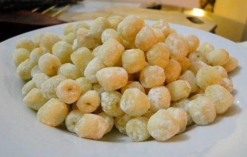 cách làm hạt sen sên đường 2 cách làm hạt sen sên đường Cách làm hạt sen sên đường cực ngon cho nhân thập cẩm thêm hoàn hảo cach lam hat sen sen duong cuc ngon cho nhan thap cam them hoan hao 2