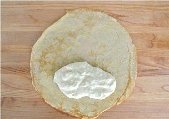 cách làm bánh crepe phomai 5 cách làm bánh crepe phomai Cách làm bánh crepe phomai đơn giản mà cực hấp dẫn cach lam banh crepe phomai don gian ma cuc hap dan 3