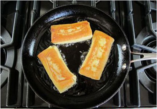 cách làm bánh crepe phomai 3 cách làm bánh crepe phomai Cách làm bánh crepe phomai đơn giản mà cực hấp dẫn cach lam banh crepe phomai don gian ma cuc hap dan 5
