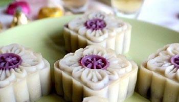 cach-lam-banh-deo-nhan-khoai-mon-ngot-bui-ngay-tai-nha-8 cách làm bánh dẻo Cách làm bánh dẻo theo phong cách bánh bao lạ mắt độc đáo vô cùng cach lam banh deo nhan khoai mon ngot bui ngay tai nha 81